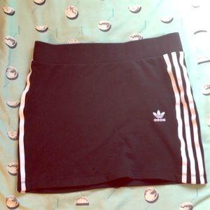 black adidas originals mini skirt size small 🖤